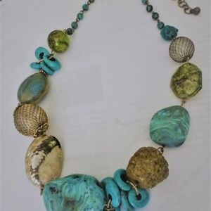 Treska Turquoise shell mesh glass bead necklace